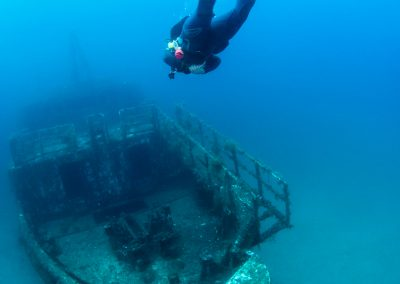 VistaJet Malta | Diver and Shipwreck