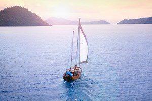 activity-sailing-rere-ahi-1-3cxk3brlksph3zw70d9ukg.jpg