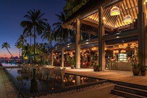 velaa-private-island-avi-bar-3cz9n9qjwcnr43ndd6p88w.jpg