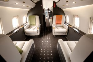 vistajet-challenger-850-rear-seating-area-3cip821z9lwi4vynuzvjls.jpg